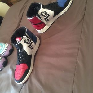 Shoes - Jordan 1